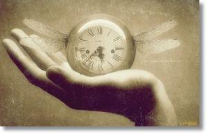 Обложка произведения 'Я часы переведу назад...'