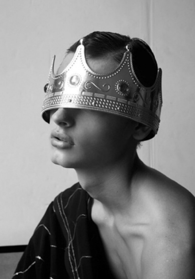 Обложка произведения 'Афоризм 735. О короне.'