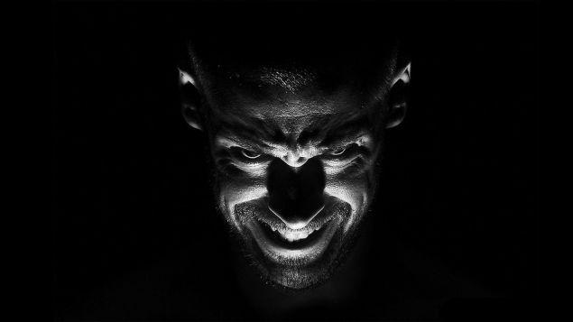 Обложка произведения 'Ждущие-во-тьме'