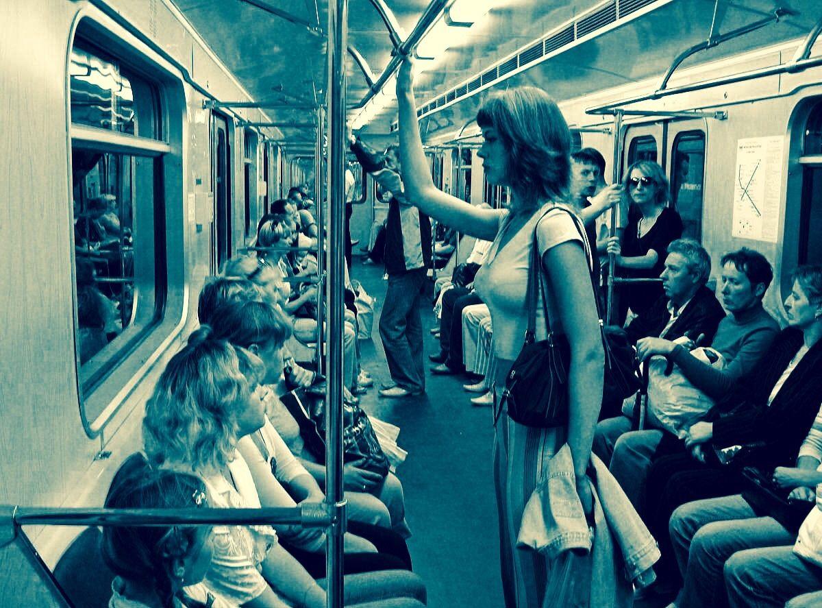стоит ли знакомиться в метро с девушкой