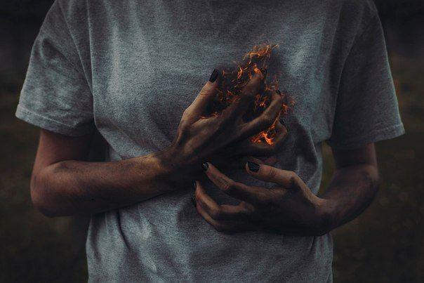 Обложка произведения 'Что-то сердце так больно колет...'