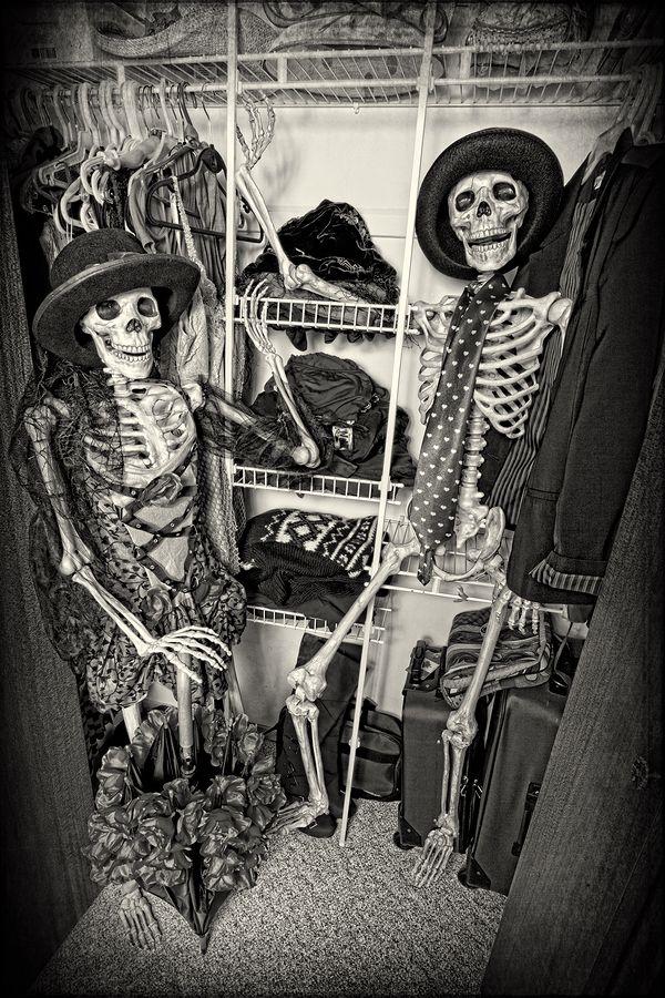 добиваетесь картинки скелеты в шкафу распространена территории